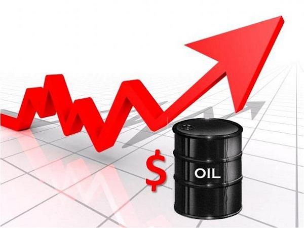"""Nga, Saudi Arabia """"đóng băng"""" sản lượng, giá dầu tăng vọt"""